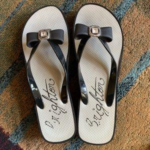 Like new Brighton Brand flip flops